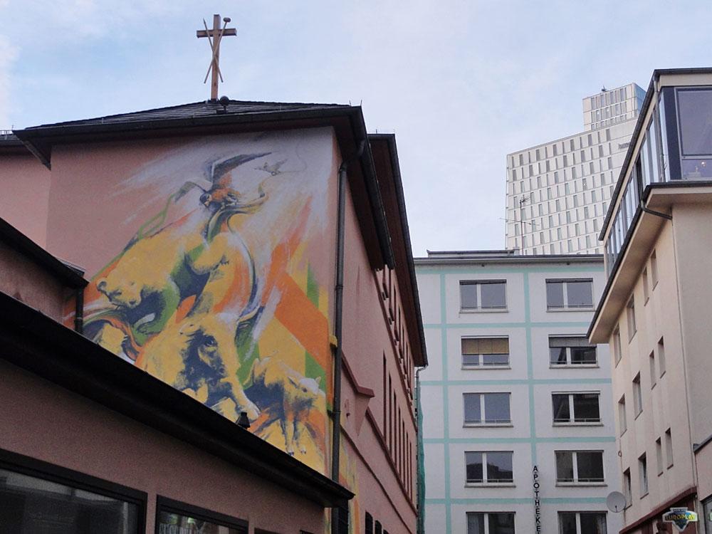 Mural um's Eck von Guido Zimmernannbeim Liebfrauenkloster in Frankfurt