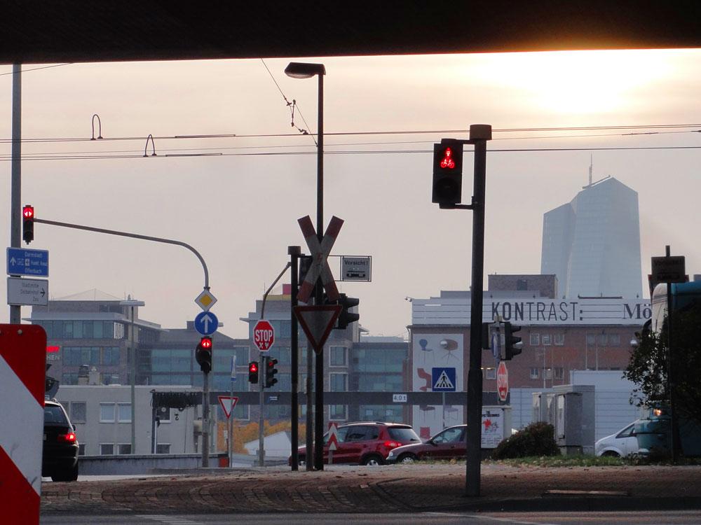 Morgens an der Hanauer Landstraße Kreuzung