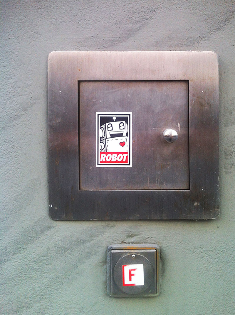 OBEY-ROBOT