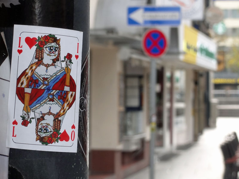 aufkleber-frankfurt-streetart-lilo-herz-dame