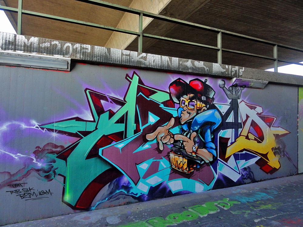 azad-graffiti-von-kent-hall-of-fame-frankfurt-ratsweg-unterfuehrung