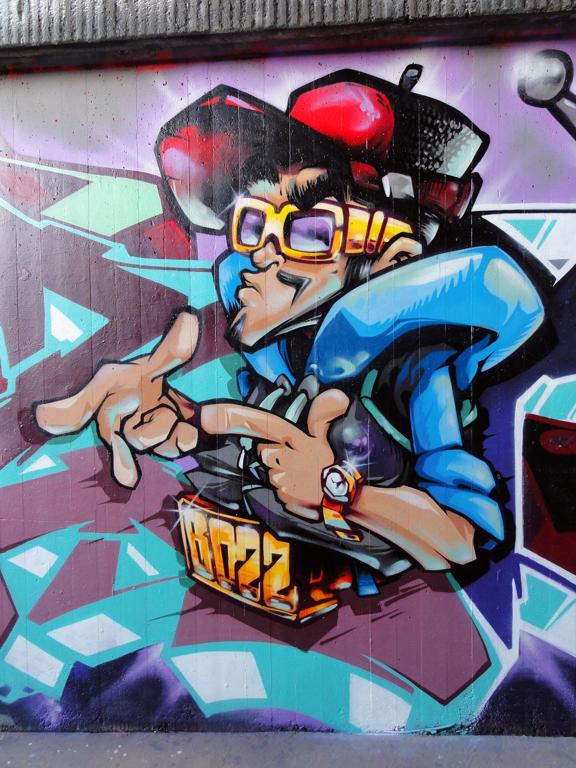 azad-leben-2-bozz-graffiti