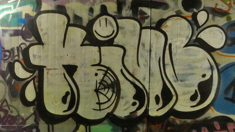 kiub-graffiti-hall-of-fame-frankfurt-ratsweg-unterfuehrung