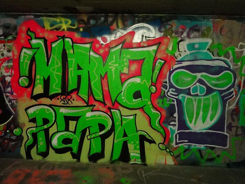 mama-papa-graffiti-hall-of-fame-frankfurt-ratsweg-unterfuehrung