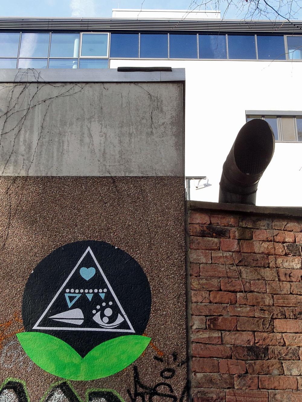 streetart-frankfurt-schnabel-kreis-pyramide