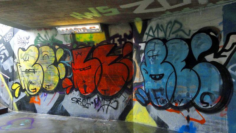 get-it-funky--graffiti-bei-der-hall-of-fame-an-der-hanauer-landstrasse-in-frankfurt