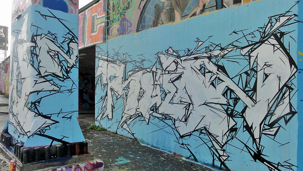 graffiti-bei-der-hall-of-fame-an-der-hanauer-landstrasse-in-frankfurt-11