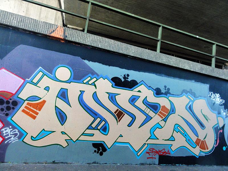 graffiti-bei-der-hall-of-fame-an-der-hanauer-landstrasse-in-frankfurt-29
