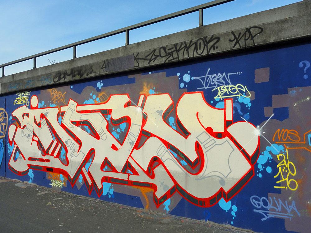 graffiti-bei-der-hall-of-fame-an-der-hanauer-landstrasse-in-frankfurt-5