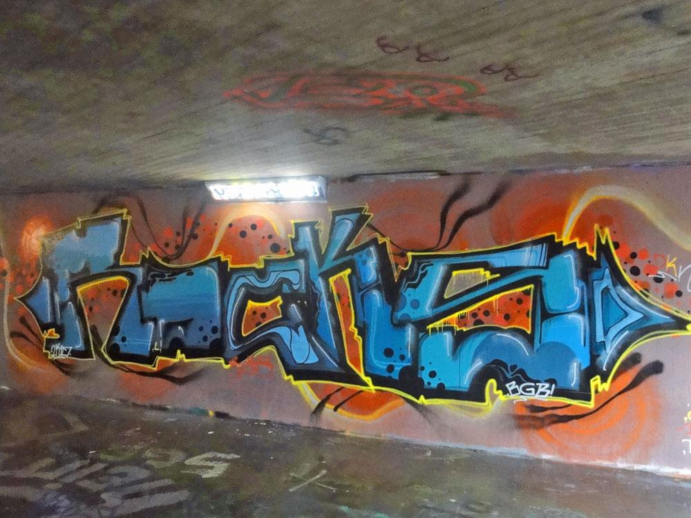 rocks-graffiti-bei-der-hall-of-fame-an-der-hanauer-landstrasse-in-frankfurt-1