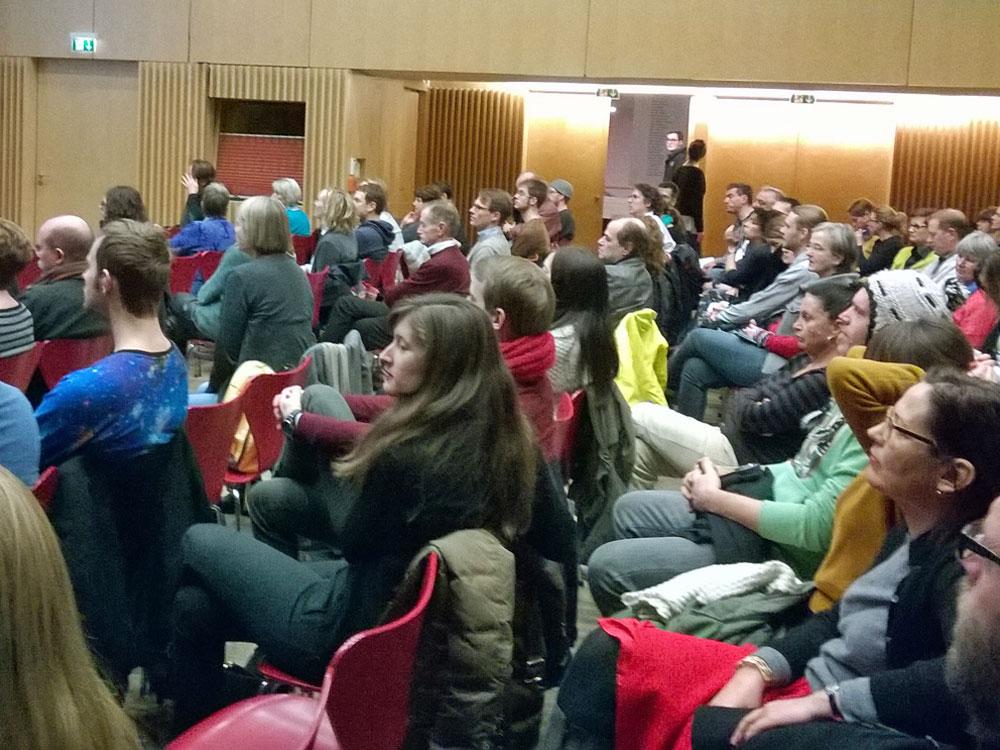 zu-cool-um-etabliert-zu-sein-buerger-uni-diskussion
