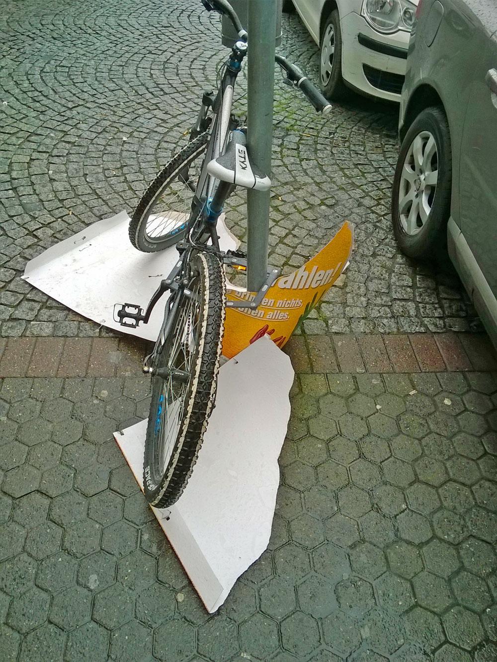 bff-buerger-fuer-frankfurt-wahl-plakat-abgerissen-berger-strasse-6