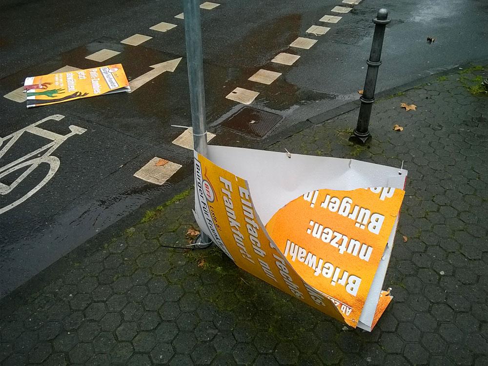 bff-buerger-fuer-frankfurt-wahl-plakat-abgerissen-berger-strasse-7