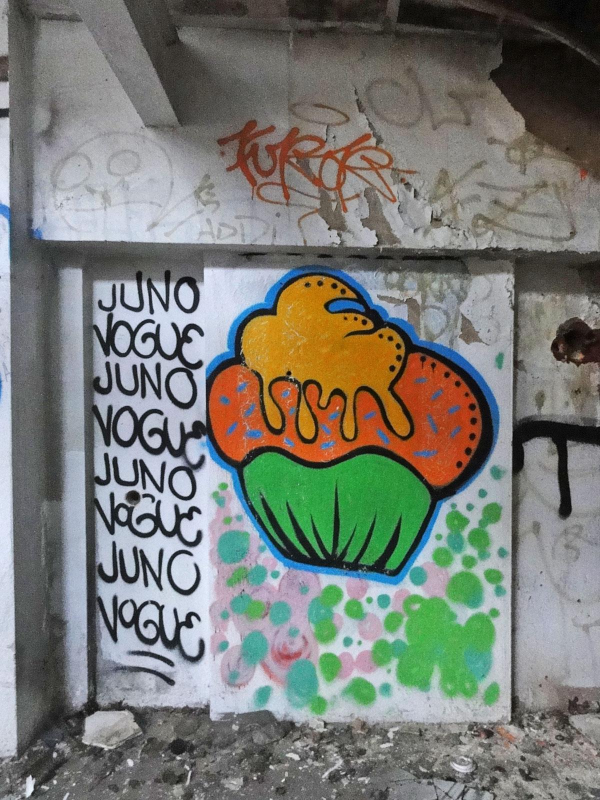 Urbex Frankfurt: Cupcake- Graffiti von JUNO und VOGUE in den Teves Werken