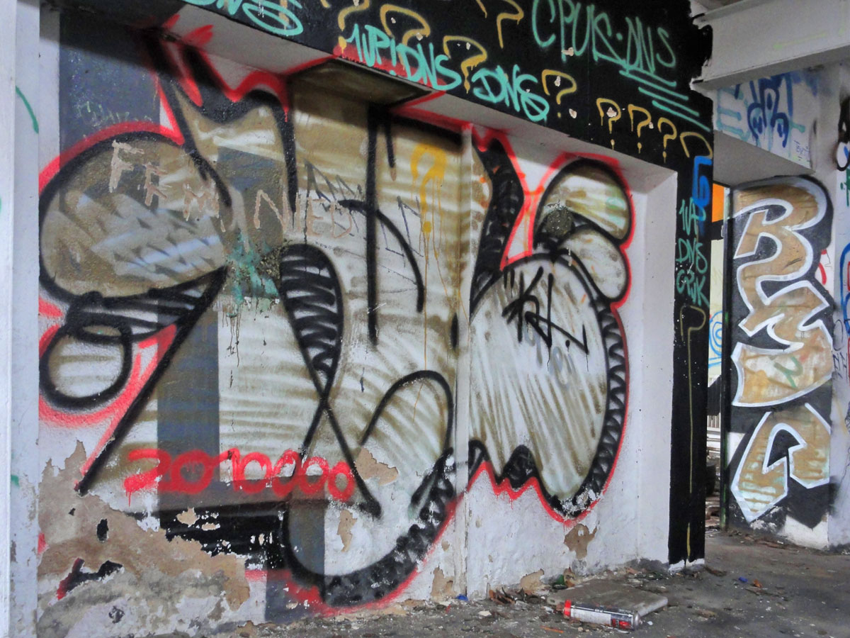 Urbex Frankfurt: Graffiti von KLER und RMC in den Teves Werken