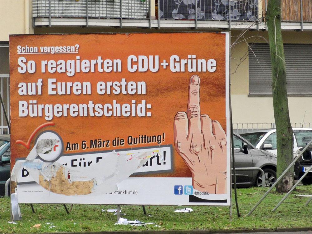 Teilweise unkenntlich gemachtes Wahlplakat der BFF