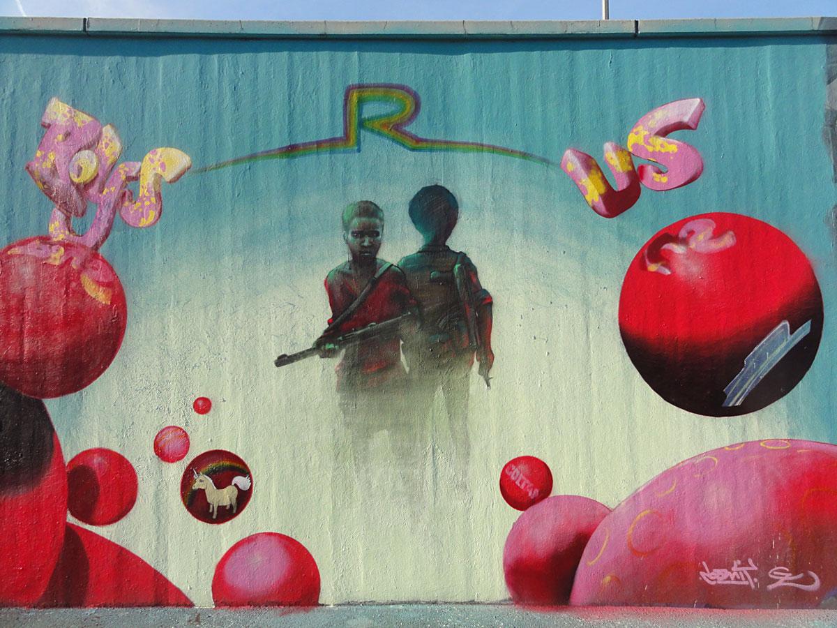 loomit-gz-toys-r-us-hall-of-fame-frankfurt-am-main-1