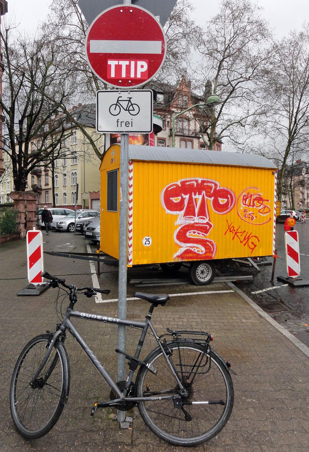 Graffiti in Frankfurt von OTTOS