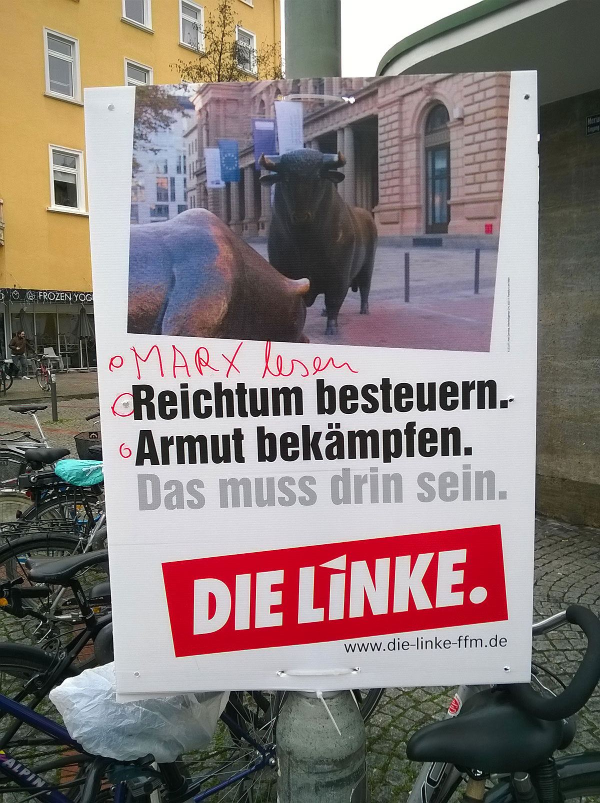 wahlplakate-zur-kommunalwahl-in-frankfurt-2016-die-linke-marx-lesen