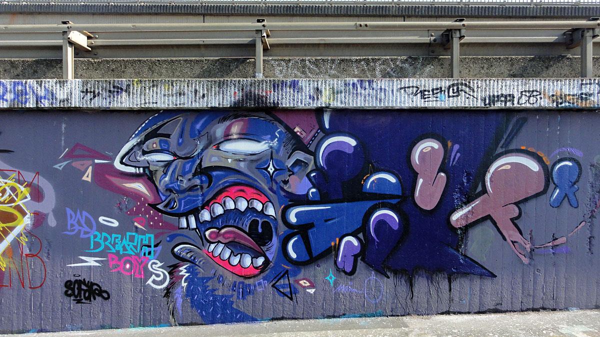 bad-breath-boys-2-graffiti-hanauer-landstrasse
