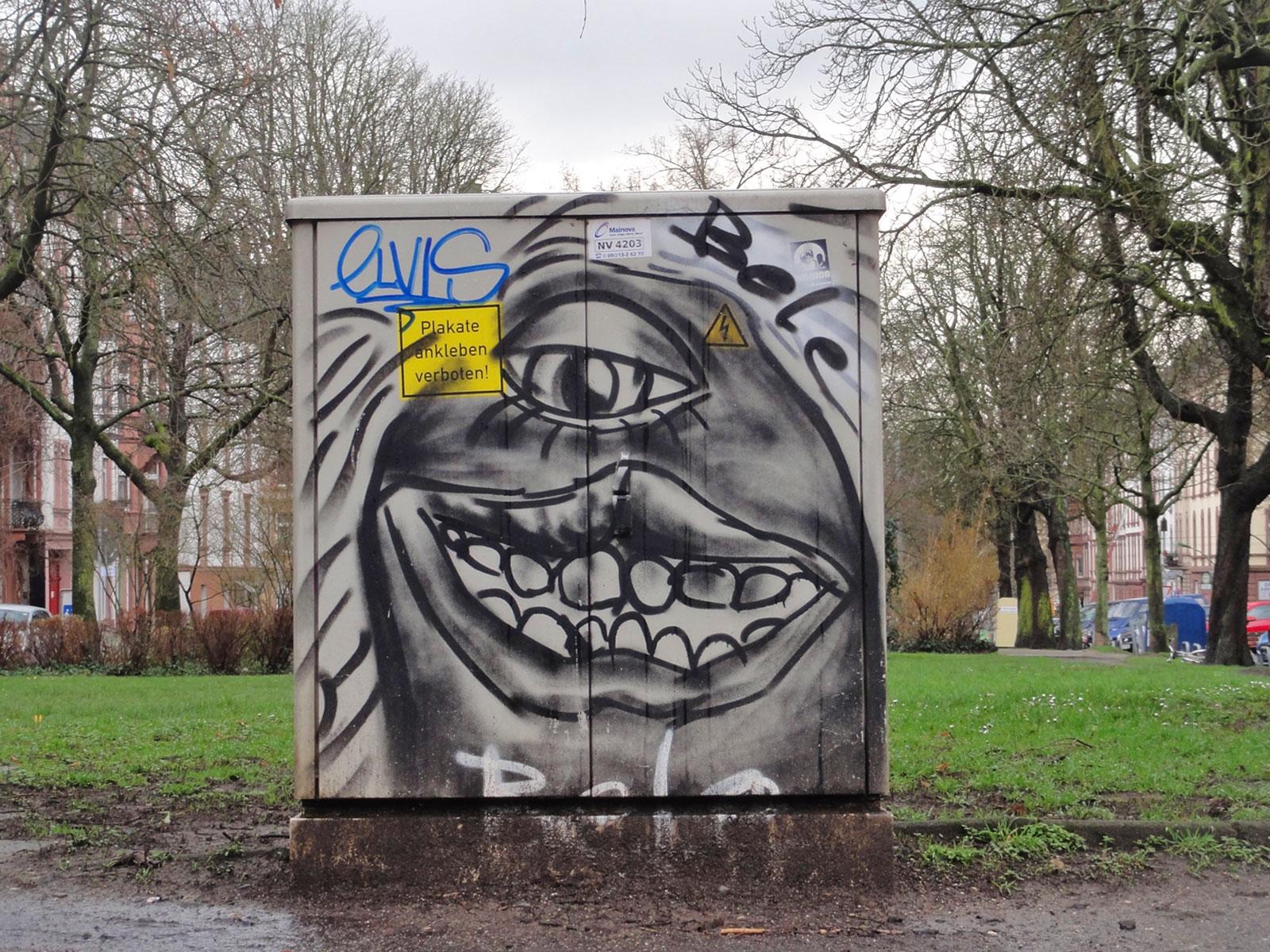 Streetart an einem Elektrokasten in Frankfurt von BELE