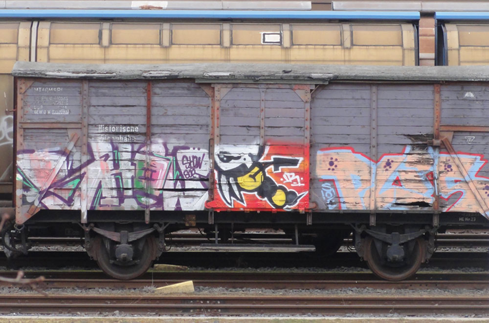 frankfurt-graffiti-auf-gueterzuegen-01