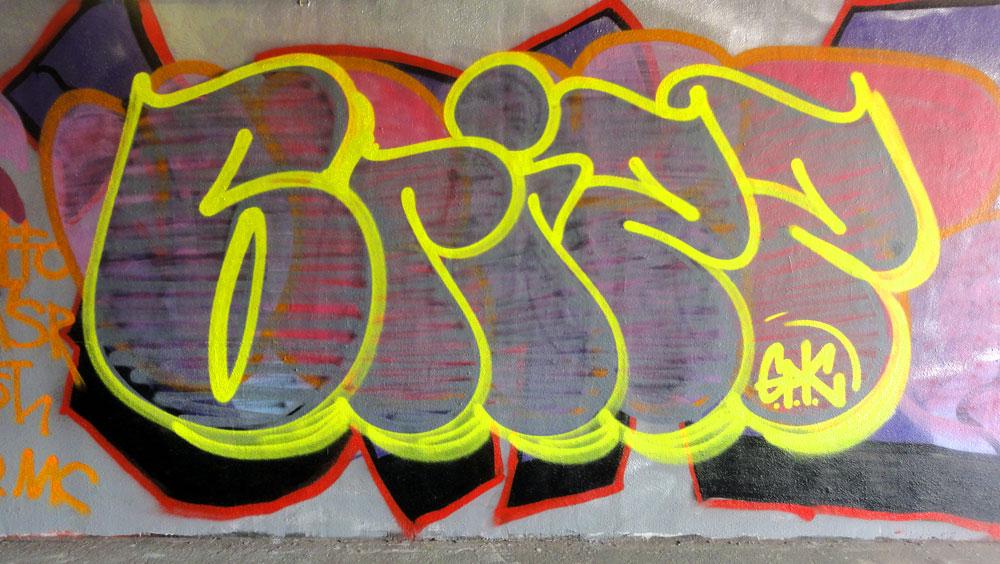grizz-graffiti-hanauer-landstrasse