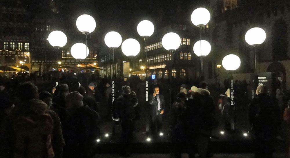 luminle-2016-frankfurt-foto-der-mann-im-mond