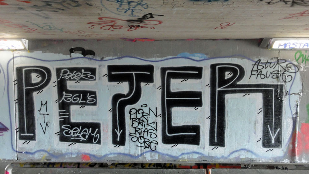 peter-graffiti-hanauer-landstrasse