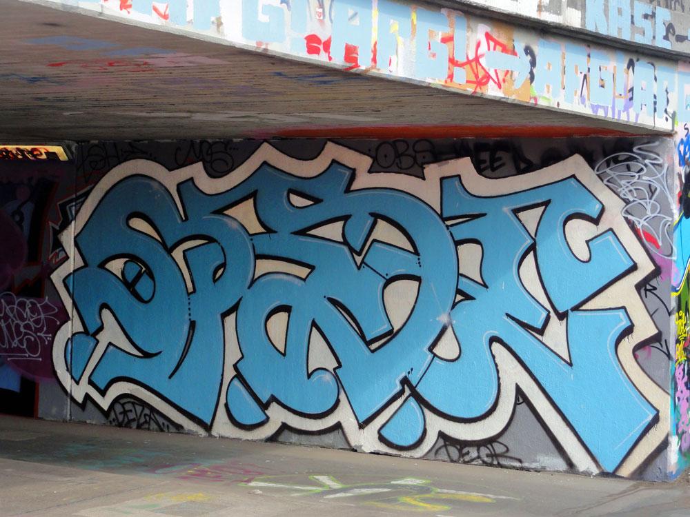 spade-2-graffiti-hanauer-landstrasse