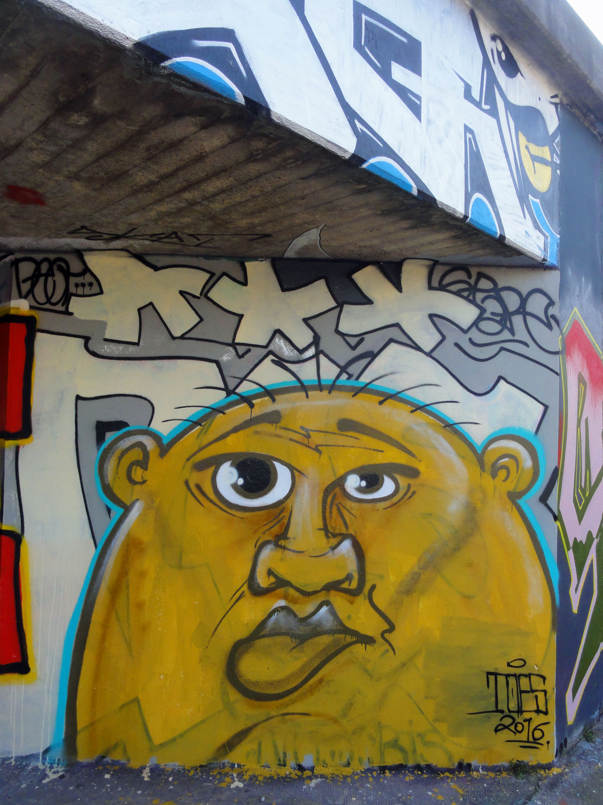 toes-character-graffiti-hanauer-landstrasse