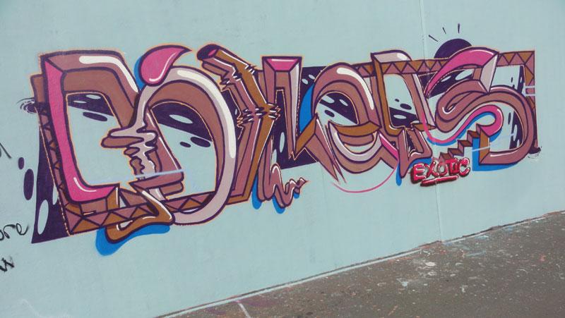 toilets-exotic-graffiti-hanauer-landstrasse