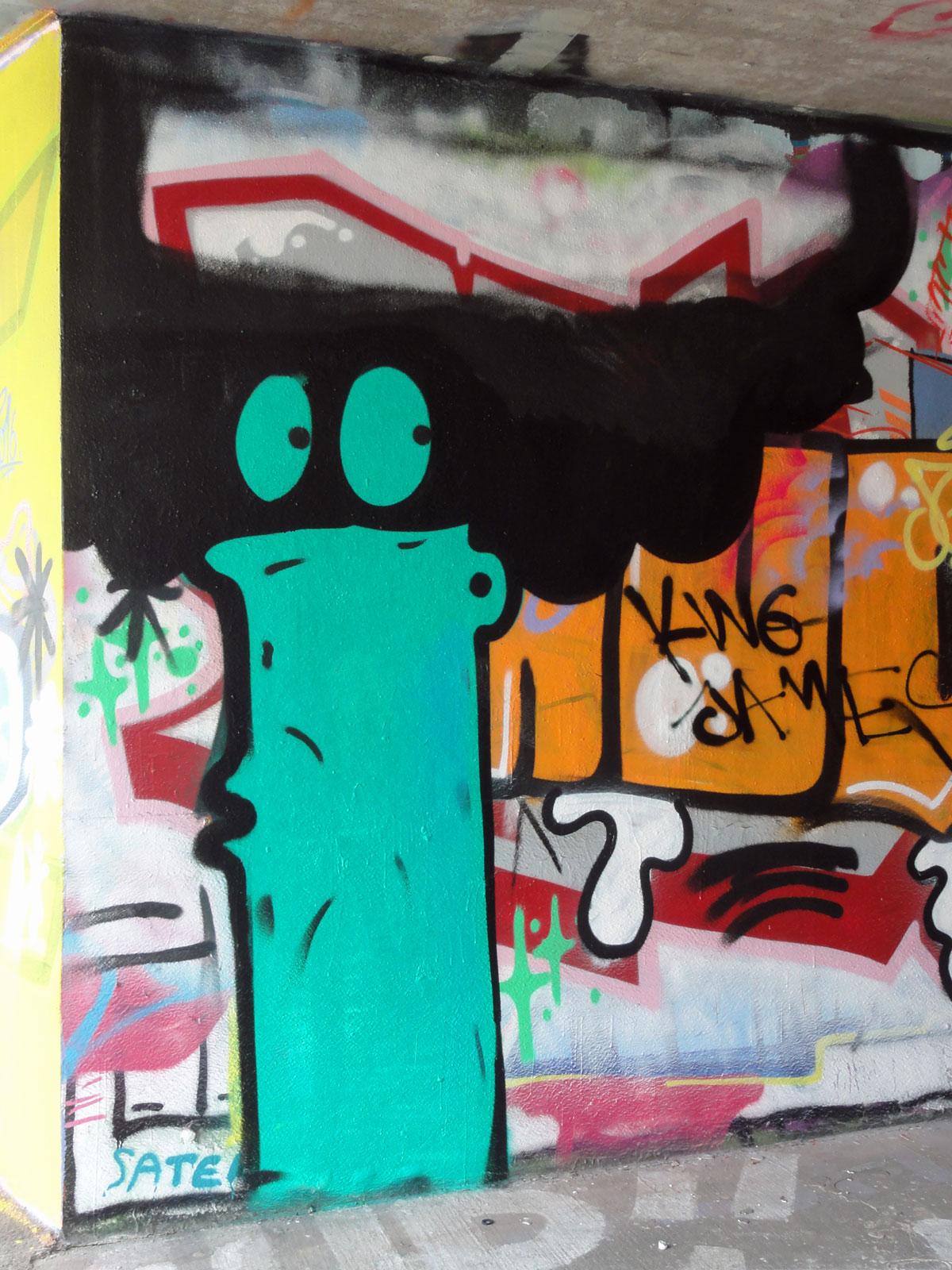 treppe-1og-graffiti-hanauer-landstrasse-1
