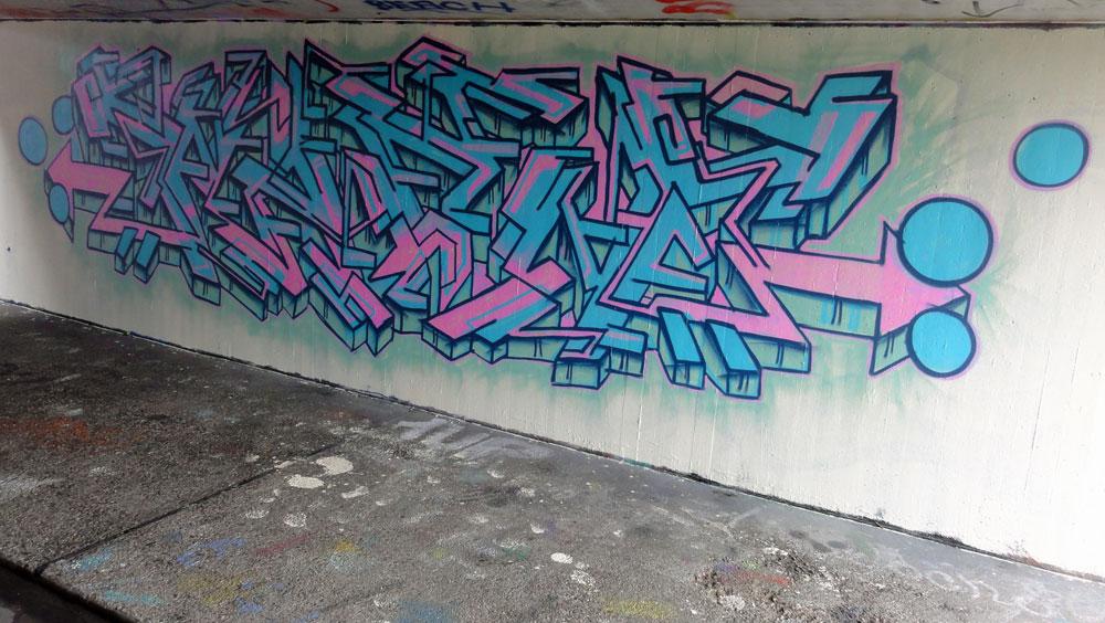wack-graffiti-hanauer-landstrasse
