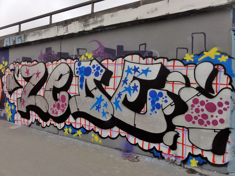 zede-graffiti-hanauer-landstrasse