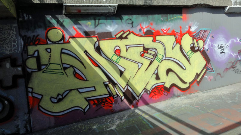 frankfurt-graffiti-ratsweg-hanauer-landstrasse-2016-foto-023