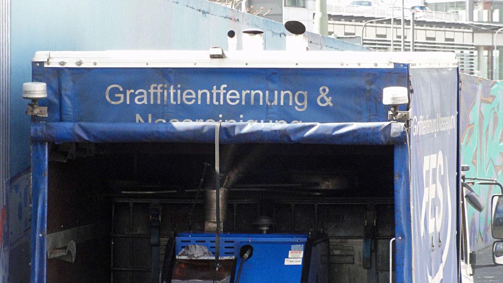 frankfurt-graffiti-ratsweg-hanauer-landstrasse-2016-foto-061-graffiti-entfernung