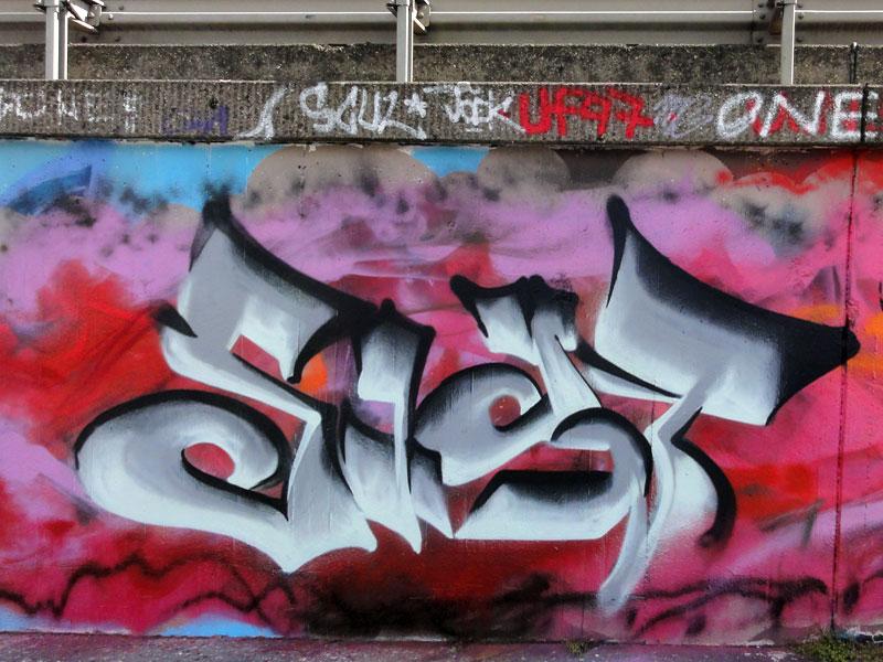 frankfurt-graffiti-ratsweg-hanauer-landstrasse-2016-foto-063