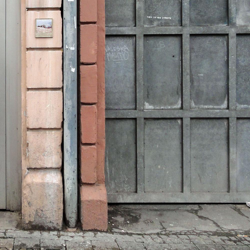 harry-gelb-581-streetart-frankfurt-weit