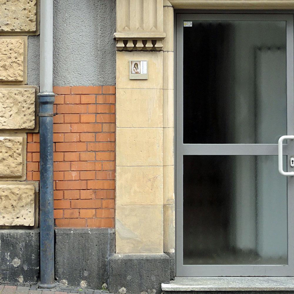 harry-gelb-583-streetart-frankfurt-weit
