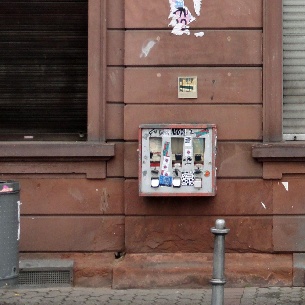 harry-gelb-589-streetart-frankfurt-weit