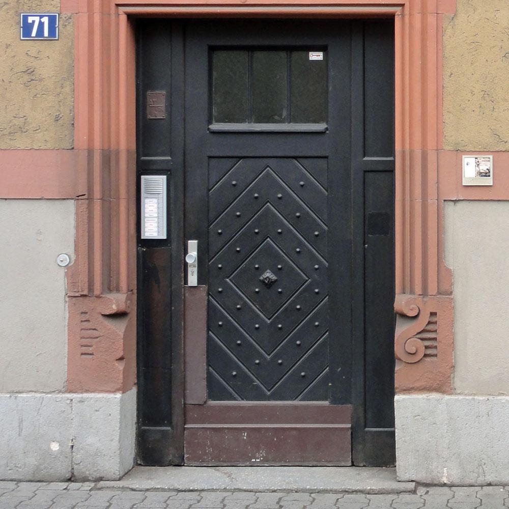 harry-gelb-591-streetart-frankfurt-weit