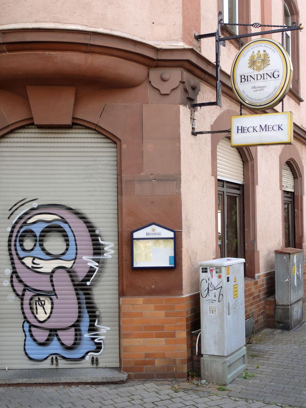 Shutter Art & Garage Door Graffiti in Frankfurt: KOCR