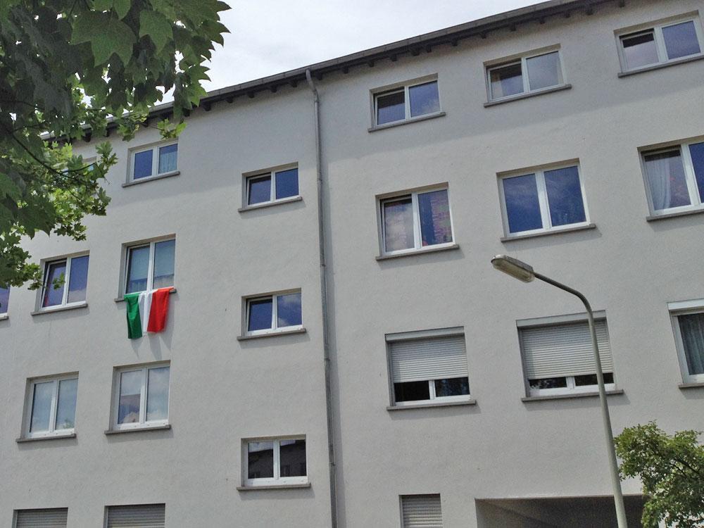 Italienfahne zur EURO 2106 in Frankfurt