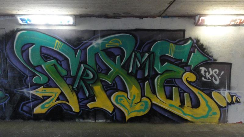 Graffiti in der Unterführung beim Ratswegkreisel an der Hanauer Landstraße in Frankfurt