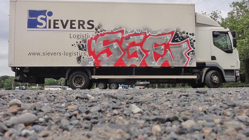 LKW mit SGE-Graffiti