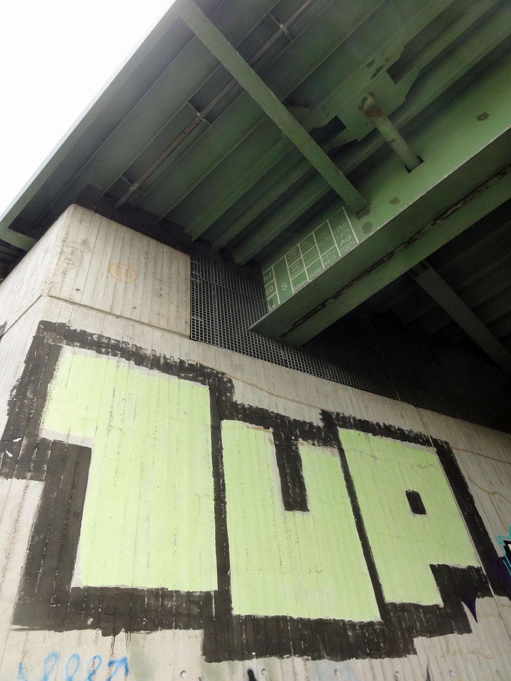 frankfurt-1up-roll-up-griesheim