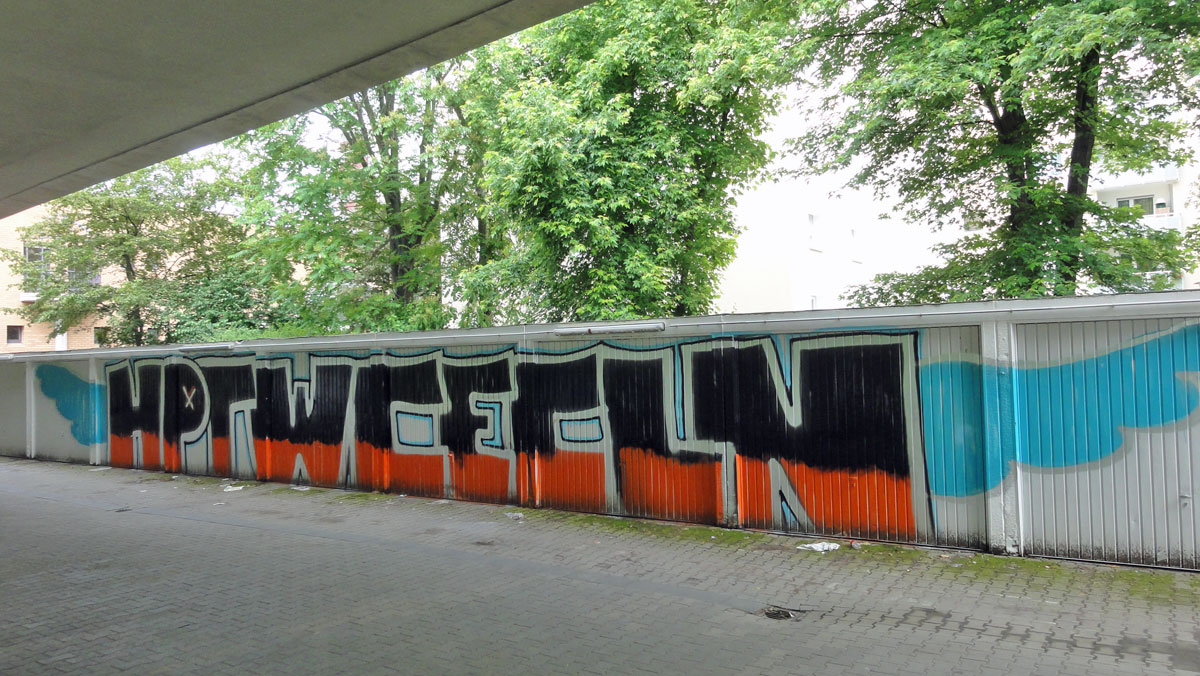 frankfurt-garagen-graffti-hptwcecln