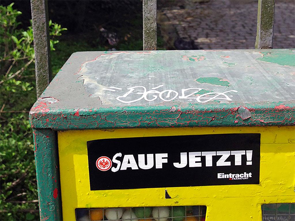 sauf-jetzt-aufkleber-eintracht-frankfurt
