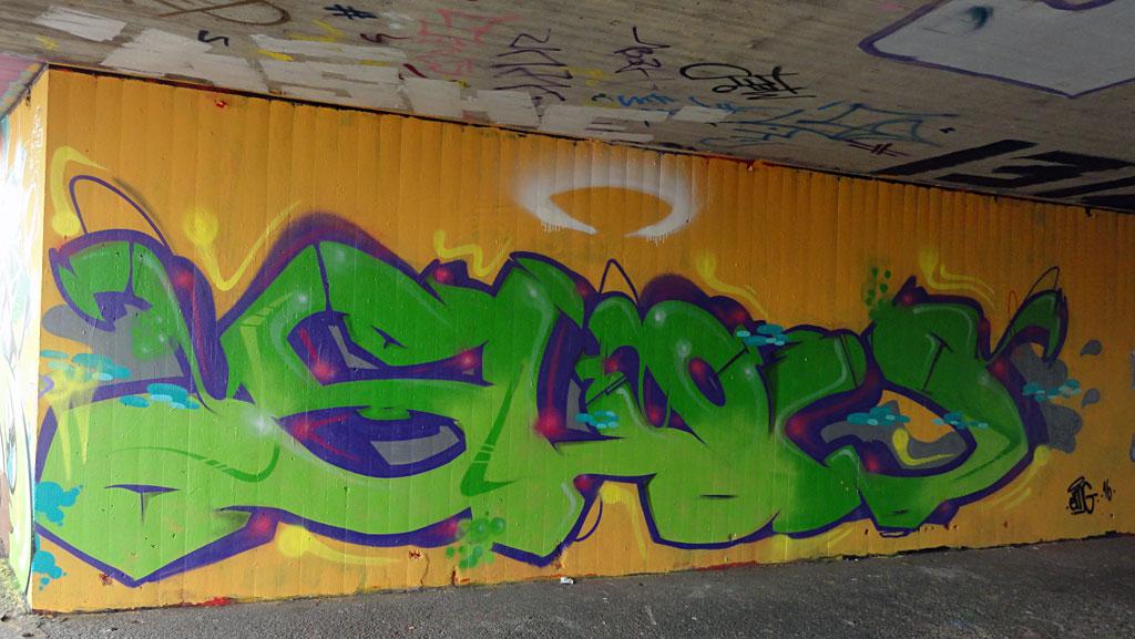 show-hanauer-landstrasse-graffiti-in-frankfurt